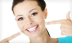 Limpieza bucal con ultrasonidos, eliminación de manchas, pulido dental, revisión, diagnóstico y radiografía por 12,90 €