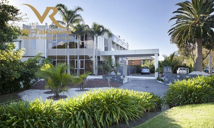 Takapuna: Up to Three Night Stay for Two People with Breakfast and Welcome Drink at 5* VR Auckland Takapuna Oaks