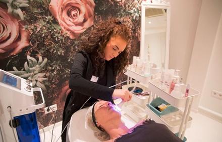 """Schoonheidsinstituut Dream Body Helmond: """"Beautybar""""gezichtsbehandeling naar keuze"""