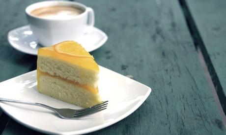 1 Heißgetränk und 1 Stück Kuchen oder Torte im Reise Cafe Stoffregen