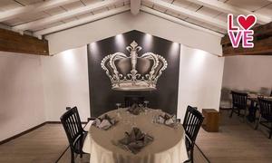 REGIO NERO: Cena con menu alla carta, portate a scelta, dolce e vino per 2, 4 o 6 persone da Regio Nero in centro (sconto 68%)