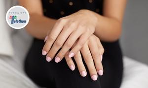 Centro Estetico Metamorphosi: 3 o 5 manicure con smalto semipermanente al Centro Estetico Metamorphosi (sconto fino a 80%)