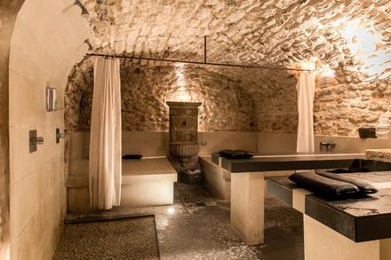 1 ou 2 accès au spa avec thé et pâtisserie dès 18 € chez Miriaform
