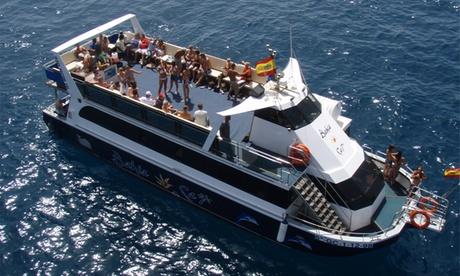 Excursión en catamarán de 4 - 5 horas con comida, bebida ilimitada y snorkeling para 2 o 4 desde 44,95 € en Bahía Cat