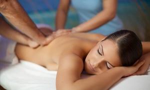 Linda Visani: Massaggio rilassante a 4 mani da 60 minuti (sconto 75%)