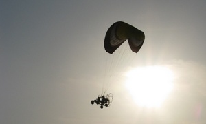 AirAction: Szkolenie i lot paralotnią w tandemie (149,99 zł) lub motoparalotnią w tandemie (od 199,99 zł) z AirAction