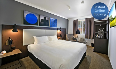 Sydney Airport: 4,5Star Hotel Getaway for Two People with Drinks and Late Checkout at Quality Hotel CKS Sydney Airport