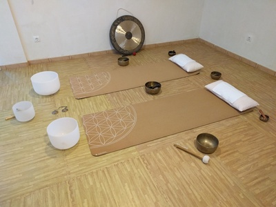 Sesión de masaje con cuencos tibetanos y sonoterapia para 1 o 2 personas desde 19,99 € en Centro Natural Wish