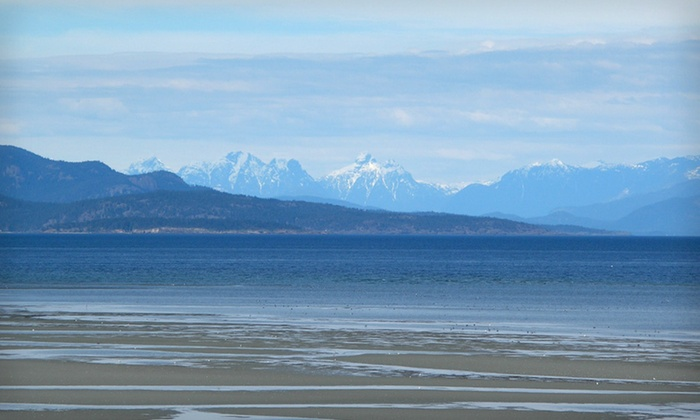 Ocean Sands Resort - Vancouver: Three- or Seven-Night Stay at Ocean Sands Resort in Parksville, British Columbia