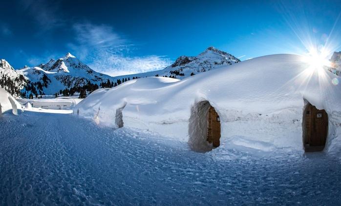 Stubaier Alpen: 2 Tage für 1-2 Personen im Iglu Village Kühtai mit Snowtubing, opt. mit 1ÜN im Ramada Innsbruck Tivoli