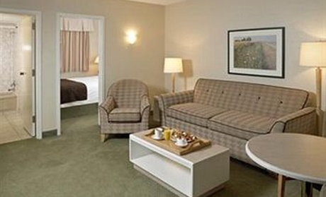 Lethbridge Lodge Hotel