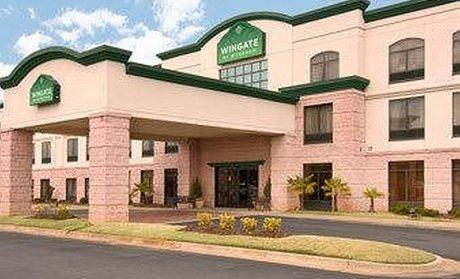 La Quinta Inn Suites Columbus North
