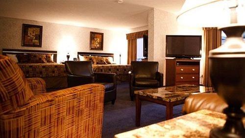 Grand International Hotel Minot