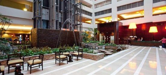 embassy suites los angeles glendale glendale. Black Bedroom Furniture Sets. Home Design Ideas