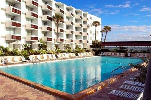 Best Western Aku Tiki Inn 2225 S Atlantic Ave Daytona Beach Ss Florida 32118 Get Directions Hotel Image