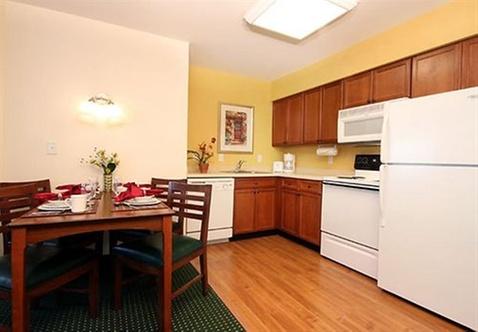 residence inn by marriott des moines west west des moines. Black Bedroom Furniture Sets. Home Design Ideas