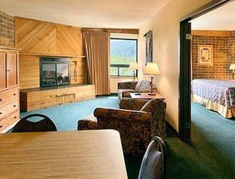 La Quinta Inn Amp Suites Glenwood Springs Glenwood Springs
