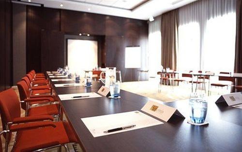 dutch design hotel artemis amsterdam. Black Bedroom Furniture Sets. Home Design Ideas