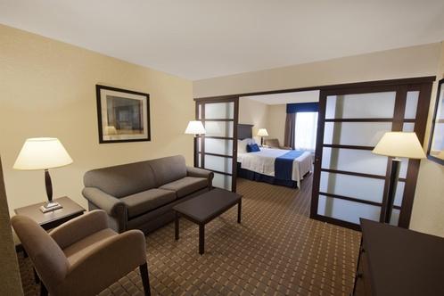 Holiday Inn Express Amp Suites Allentown West Allentown