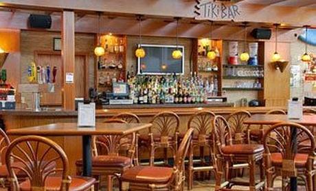 Castaways Bar & Grill