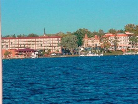 harbor shores on lake geneva lake geneva. Black Bedroom Furniture Sets. Home Design Ideas
