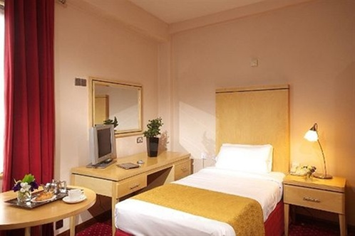 temple bar hotel dublin. Black Bedroom Furniture Sets. Home Design Ideas
