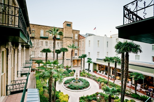 The best deals for San Antonio hotels are here at narmaformcap.tk Find out how much you can save! Enter your travel dates and check on our hotel deals online. Our hotel price discounts and offers for hotels in San Antonio vary from % off- This is how much you can save.