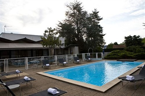 Best western saint etienne aeroport andr zieux bouth on for Andrezieux boutheon piscine