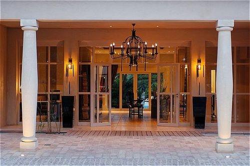 Hotel Image ...