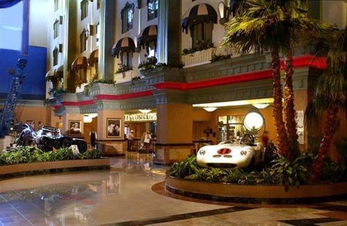Hollywood casino tunica address