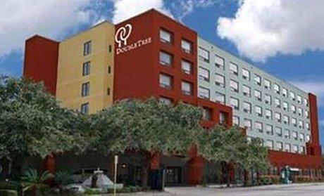 Groupon Doubletree By Hilton San Antonio Downtown