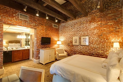 New Orleans Hotel >> Dauphine Orleans Hotel New Orleans