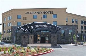 Grand Hotel At Bridgeport Tigard