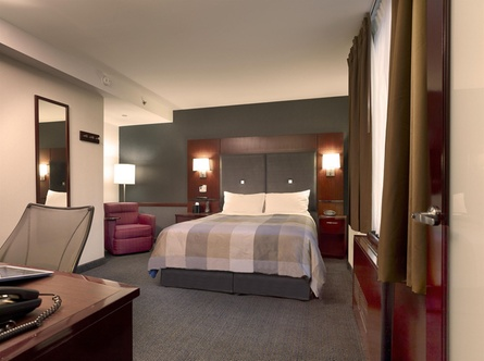 club quarters hotel opposite rockefeller center new york. Black Bedroom Furniture Sets. Home Design Ideas