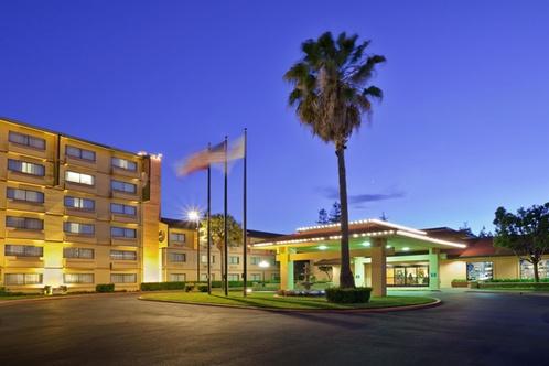 Crowne Plaza Hotel Oakland South Union City