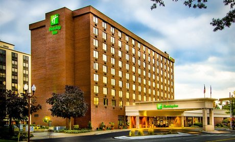 Holiday Inn Arlington At Ton