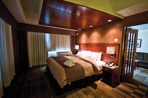 canad inns destination center grand forks grand forks. Black Bedroom Furniture Sets. Home Design Ideas