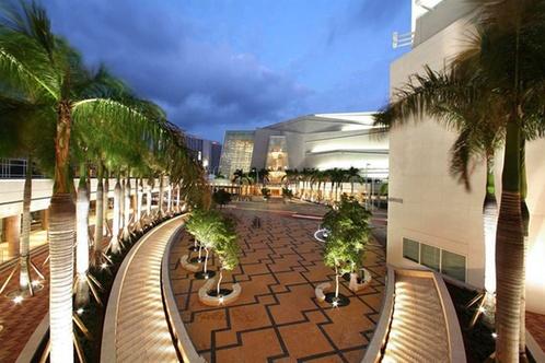 Doubletree By Hilton Grand Hotel Biscayne Bay Miami
