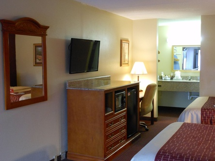 Beautiful GETAWAYS MARKET PICK. About Red Roof Inn U0026 Suites Pigeon Forge ...