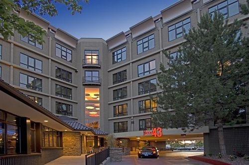Groupon Hotel 43
