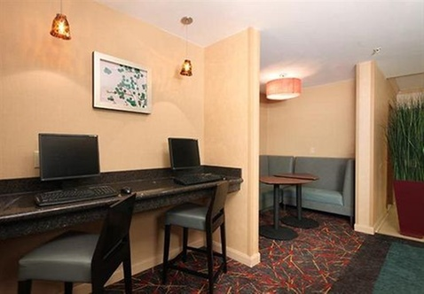 Hotels Near One Walden Galleria Buffalo Ny 14225
