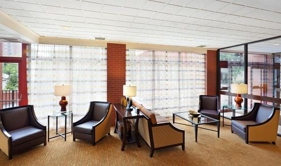 holiday inn boston brookline brookline. Black Bedroom Furniture Sets. Home Design Ideas