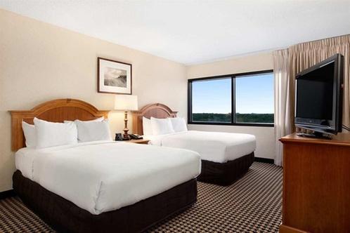 Hilton chicago oak brook suites oakbrook terrace for 2 mid america plaza suite 1000 oakbrook terrace il 60181