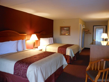 Red Roof Inn U0026 Suites Pigeon Forge   Parkway 2826 Parkway Pigeon Forge,  Tennessee 37863. Get Directions. Hotel Image ...