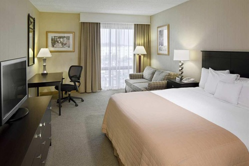 bedrooms for small spaces doubletree by hartford bradley airport 14480