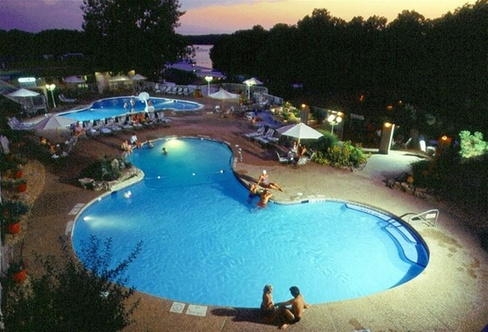 Resort At Port Arrowhead Lake Ozark