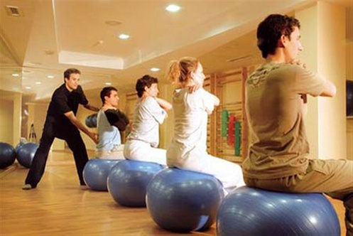 Los angeles spa grenade for 33 fingers salon groupon