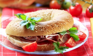Chez Papa: Bagel, hotdog et milkshake au choix pour 2 ou 4 personnes, sur place ou à emporter, dès 24,90 € au restaurant Chez Papa