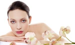 New Esthetic Clinic: טיפול יופי במשך כ-45 דקות הכולל ניקוי ראשוני, פילינג, החדרת חומרים משקמים, עיסוי פנים ומסכת זוהר ב-89 ₪ בלבד