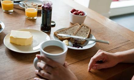 Desayuno a domicilio para 1 o 2 personas desde 19,95 € con Que Llegue Ya